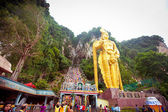 BATU CAVES, MALAYSIA - JAN 18 2014 : Thaipusam at Batu Caves tem — Stock Photo
