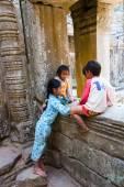 Siem Reap, Camboya - 04 de febrero de 2014: un grupo de desconocidos — Foto de Stock