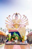 18 hands God statue on blue sky — Foto de Stock