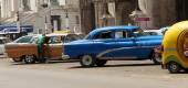 Vintage Cars Parking, Havana — Fotografia Stock