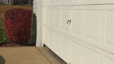 Garage Door Opens — Wideo stockowe