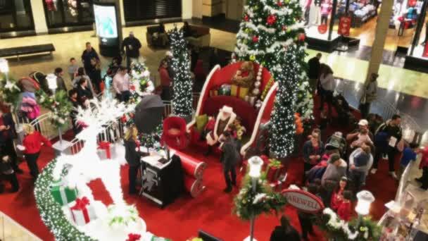Santa Claus en el centro comercial — Vídeo de stock