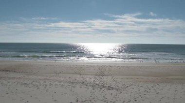 Shot of an empty beach. — Stock Video