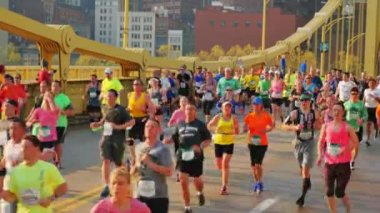 2015 DICK'S Sporting Goods Pittsburgh Marathon — Video Stock