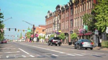 オハイオ州ウースターの町の確立ショット. — ストックビデオ