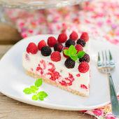 A Piece of No-bake Raspberry Cheesecake — Stock Photo