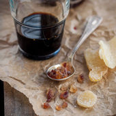 Herbal Liqueur with Crystallized Ginger and Brown Rock Sugar  — Stock Photo