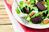 Roast Beet, Almond, Feta and Rocket Salad — Stock Photo