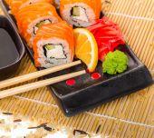 Salmon sushi rolls — Stok fotoğraf