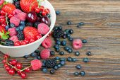 Berries in a bowl — Stock Photo