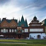 The wooden palace of Tsar Alexei Mikhailovich in Kolomenskoye park — Stock Photo #72735221
