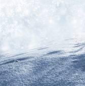 на фоне снега. зимний пейзаж — Стоковое фото