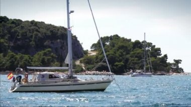 Anchored yachts in Adriatic Sea — Vídeo Stock