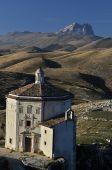 Santa Maria della Pietà and  Rocca Calascio — Stock Photo