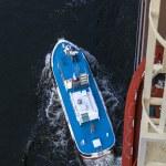 Pilot boat leaving cruise ship — Stock Photo #75489649