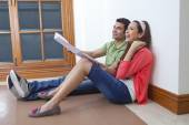 Couple planning lay out of  house — Stock Photo