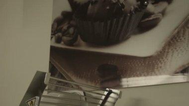 Makine dışarı hamur rulo — Stok video