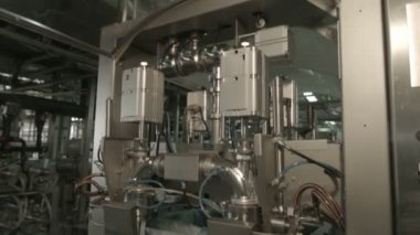 Production line packing vegetable fats and oils — Stock Video