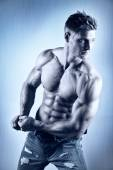 Posing body builder — Stock Photo