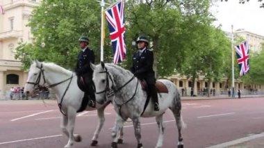 Queen's Birthday rehearsal Parade — Vidéo