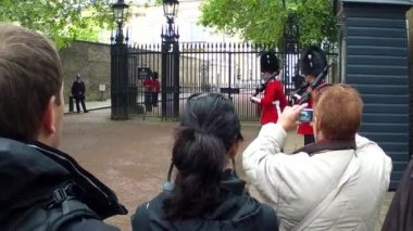 Changing of the Guards in London — Stock Video