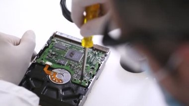 Hard Drive Lab Technician — Stock Video