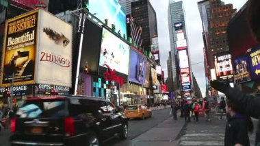 Busy and noisy Times Square in New York — Stock Video
