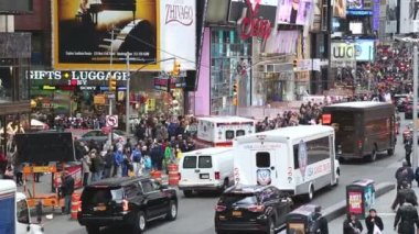 Traffic on Times Square in New York — Stock Video