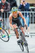 Mateja Simic from Slovakia first out of a curve in the cycling i — Foto de Stock