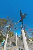 Wide angle view at Millesgarden with statue of playing angel — Stock Photo
