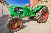 CAMENO, SPAIN - AUGUST 24:  Deutz D30 Luftgekhlt at annual Vintage tractor exhibition in Cameno, Burgos, Spain on August 24, 2014. — Stock Photo