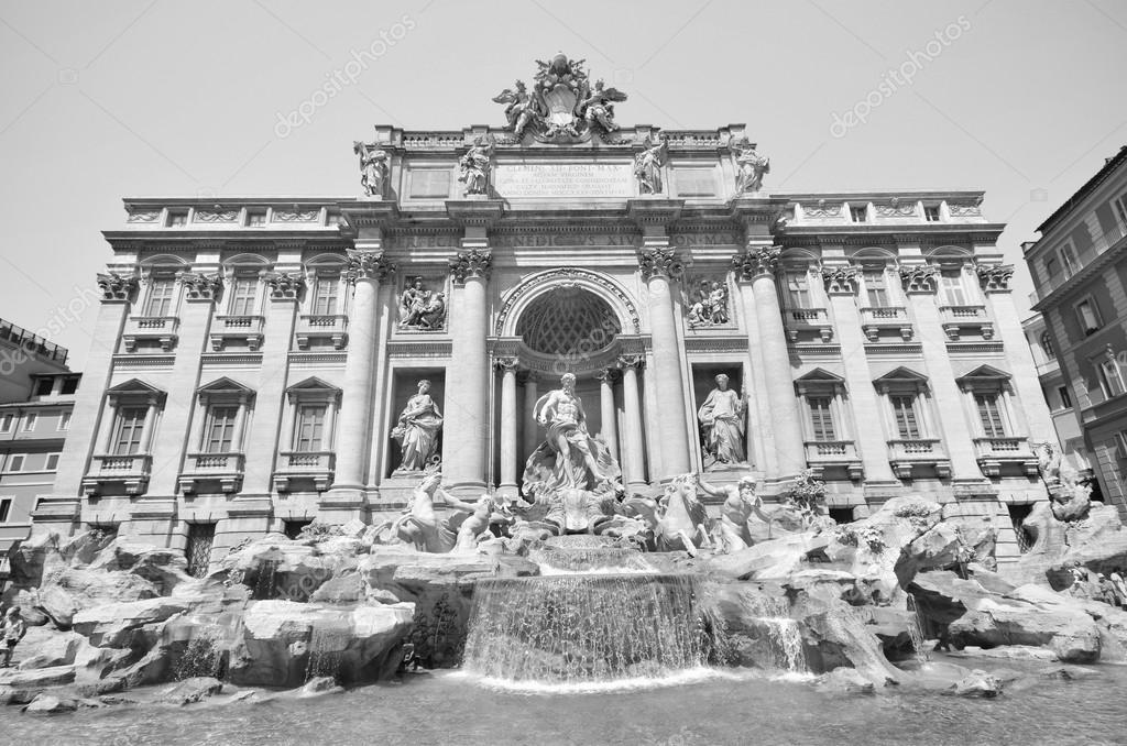 Famosa fontana di trevi in bianco e nero roma italia for Roma in bianco e nero