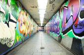 Graffiti urban tunnel — Stock Photo