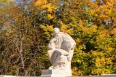 Statue of Aristophanes in amphiteatre in Lazienki park, Warsaw  — Stock Photo