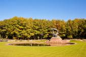 Frederic Chopin monument in Lazienki park, Warsaw. — Stock Photo