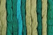 Verde matasse di filo interdentale come trama di sfondo — Foto Stock