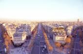 View on Avenue des Champs-Elysees from Arc de Triomphe at sunset, Paris, France — Стоковое фото