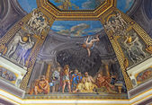 VATICAN - APRIL 18, 2015: The ceiling in one of the galleries of the Vatican Museums on April 18, 2015 in Rome, Italy. — Stock Photo