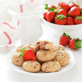Oat bran, coconut and strawberry cookies — Fotografia Stock