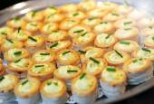 Tray of savory vol au vent appetizers — Stock Photo