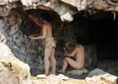 Homo sapiens cave dwellers — Stock Photo