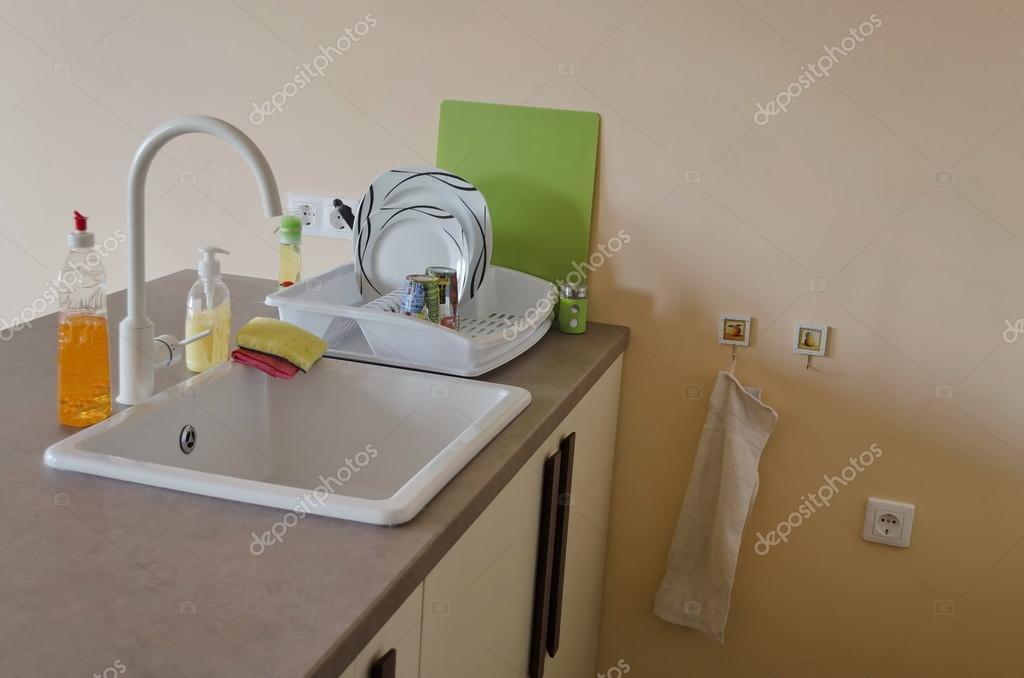 Deel voor keuken box in kleine woonkamer met voorwaarde voor ...