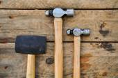 Hammer set of hand tools or basic tools on wooden background — Stockfoto
