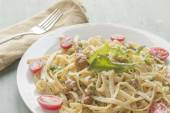 Fettuccine Alfredo with Ground Sausage — Stock Photo