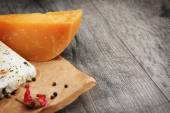 Two kinds of cheese  — Stock Photo