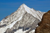 The famous Weisshorn above zermatt — Stock Photo