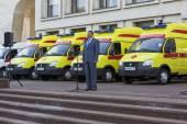 Vologda Region Governor Oleg Kuvshinnikov during transmission ambulance clinics Vologda and Cherepovets. Russia — Stock Photo