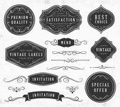 Etiquetas y adornos vintage — Vector de stock