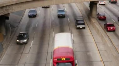 Heavy Traffic in Downtown Los Angeles — Vídeo de stock