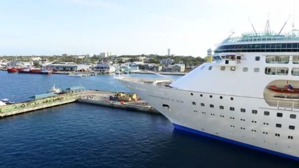 Crucero y playa de Grand Turk Island — Vídeo de stock